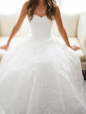 A-Line/Princess Sweetheart Lace Sleeveless Cathedral Train Wedding Dresses