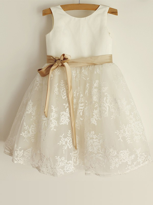 A-Line/Princess Scoop Satin Sleeveless Knee-Length Flower Girl Dresses
