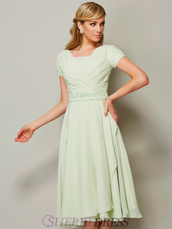 Sheath/Column Bateau Chiffon Short Sleeves Knee-Length Bridesmaid Dresses