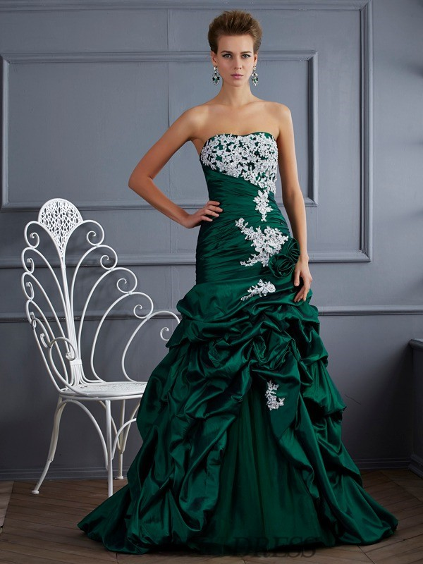 Ball Gown Strapless Taffeta Sleeveless Sweep/Brush Train Dresses