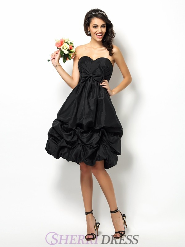 A-Line/Princess Sweetheart Taffeta Sleeveless Knee-Length Bridesmaid Dresses