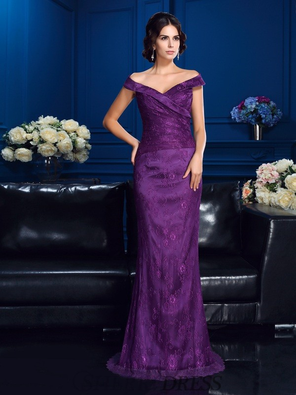 Sheath/Column Off-the-Shoulder Lace Sleeveless Sweep/Brush Train Mother of the Bride Dresses