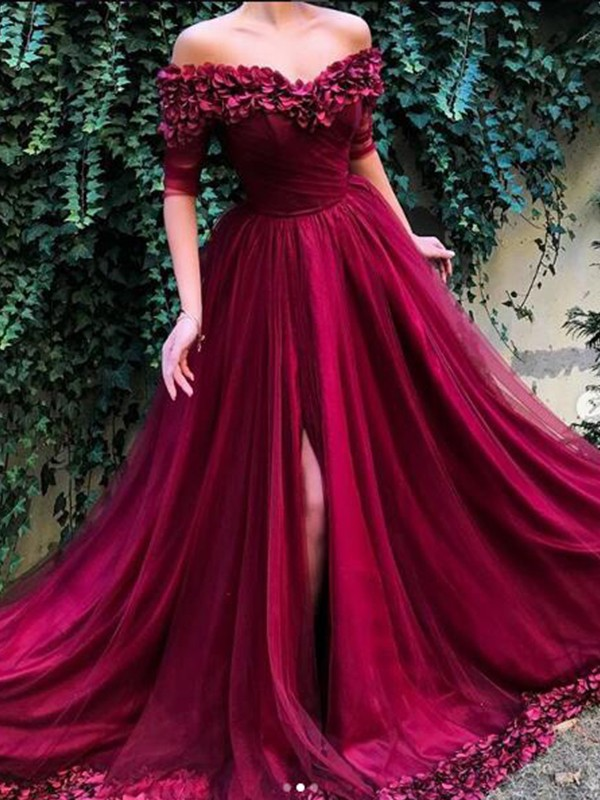 A-Line/Princess Off-the-Shoulder Tulle 1/2 Sleeves Sweep/Brush Train Dresses