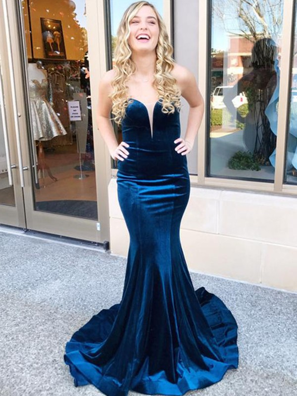 Trumpet/Mermaid Sweetheart Velvet Sleeveless Sweep/Brush Train Dresses
