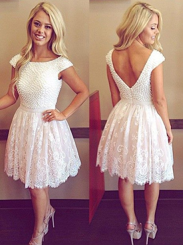 A-line/Princess Scoop Lace Short Sleeves Short/Mini Homecoming Dresses