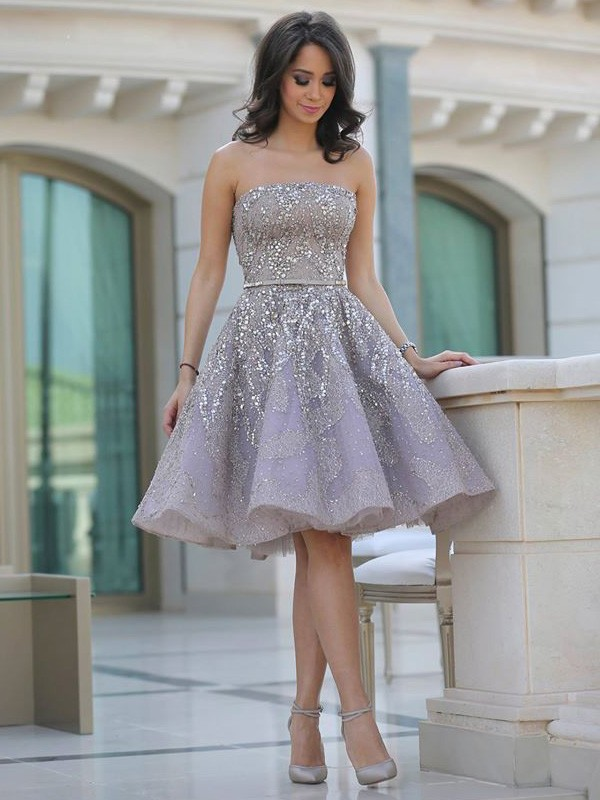 A-line/Princess Strapless Satin Sleeveless Knee-Length Homecoming Dresses