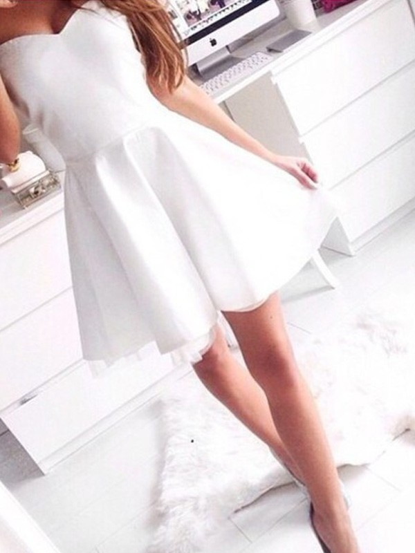 A-line/Princess Sweetheart Satin Sleeveless Short/Mini Homecoming Dresses