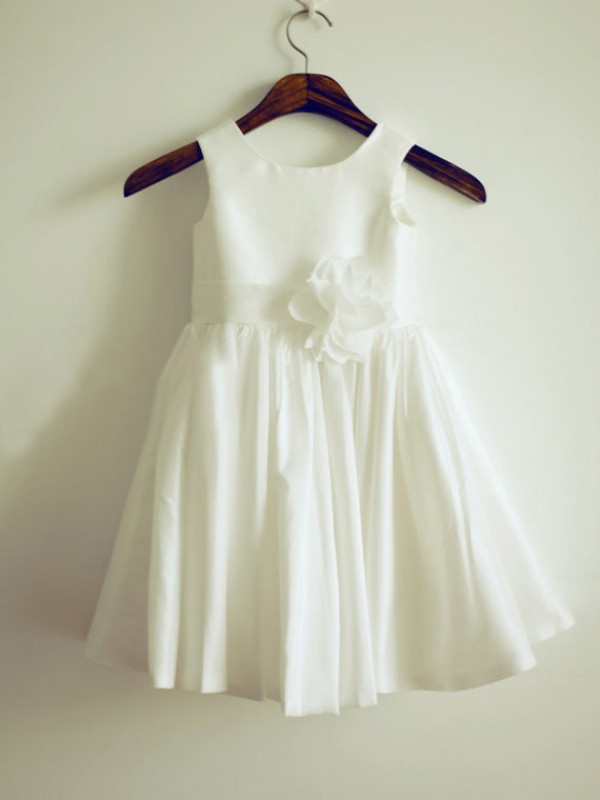 A-Line/Princess Jewel Taffeta Sleeveless Knee-Length Flower Girl Dresses